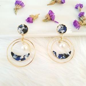 Blue hoop stud earrings
